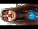Девчонка говорит под гелием,очень смешно)