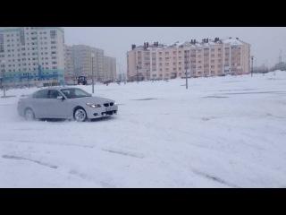 Типа зимний дрифт D BMW 520