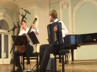 Луиджи Боккерини Интродукция и Анданте Дмитрий Притула (гитара), Григорий Середин (баян)