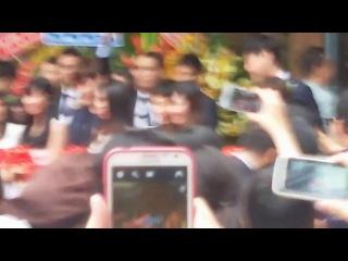 Lee Jong Suk  [24.08.14]   Caffe Bene grand opening, Vietnam [1]