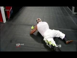 Wwe monday night raw 06.08.2012 - cm punk vs. rey mysterio
