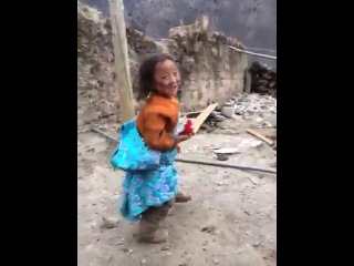 девочка танцует опа гамном стайл