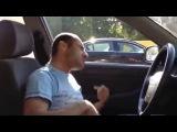 Московские автолюбители остановили неадекватного водителя