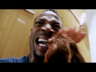 Kак отрубить курице голову по-американски (Haunted House 2)