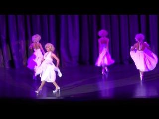 Тайланд шоу (Мерлин Монро) / transvestite show Coliseum (12)