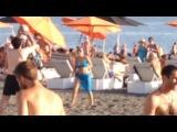 Чемпионка пляжа, по волейболу, приковывающая взгляды 😆