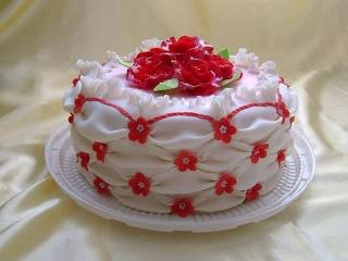 Очень вкусные домашние торты на заказ к любому празднику.