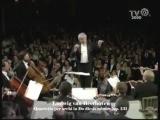 Оркестровое переложение до-диез-минорного квартета Бетховена. Исполняется под управлением Леонарда Бернстайна.