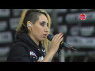 Обращение вокалистки группы