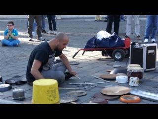 Лайфхак: как с помощью ведра, кастрюль и сковородок стать супер-барабанщиком!