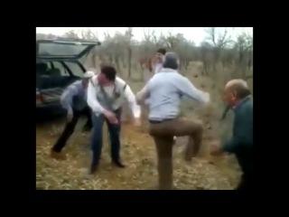 Танцы Melbourne Bounce