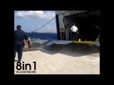 Погрузка автомобилей на паром во время шторма / plektani.gr: Απίστευτη επιβίβαση αυτοκινήτων στο Λιμάνι Αλοννήσου 3-10-2014