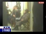 Фрагмент про старушку со стулом в метро. Cтолица. Итоги недели 01.11.14 (KZN) - 19-00