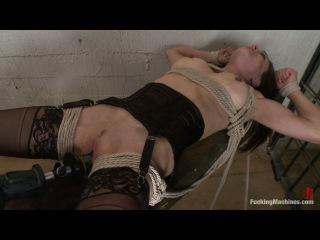 The queen of squirt in bondage: machine fucking cytherea (2012)