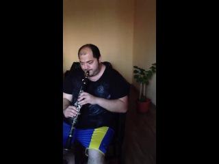 Как нужно разыгрываться на кларнете xD