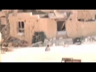СИРИЯ. мальчик спасает сестру под ВЫСТРЕЛАМИ снайперской пули.