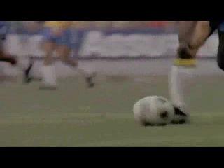 кто лутше играет футбол? Пеле или марадонна