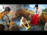 Нанкін-2014. Олександр Усик вчить танцювати гопак китайського хлопця