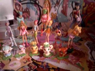 моя небольшая коллекция Фигурок Винкс которые остались на Домено