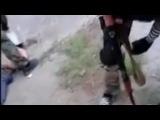 Казнь задержанного бойцами батальона Азов при помощи кастрюли