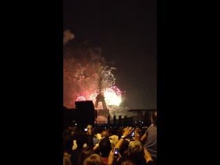 Feu d'artifice - fête nationale du 14 juillet 2014 à Paris 3