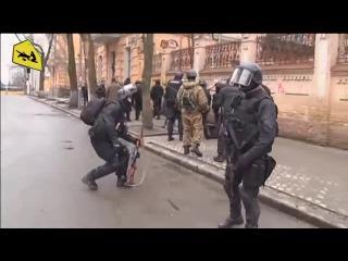 20 02 2014р Снайпери Ескадрону смерті на розі вул Інститутської і Банкової