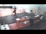 В Сети появилось видео случайного убийства подростком тренера по стрельбе