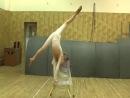 Виктория Дзюба Эквилибр на стуле (Low)