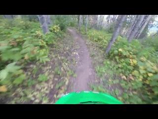 Опасная встреча во время лесных покатушек на велосипеде