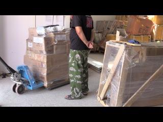 Погрузка гуманитарной помощи на транспортной компании КИТ