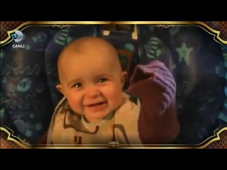 BEYAZ SHOW - Özcan Deniz in Şarkısına Bebeklerin Tepkisi [ KOMİK ]