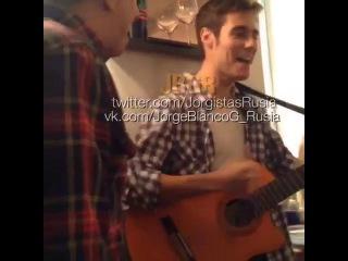 Yoyi con Sergio cantan ''Para bailar la bamba''