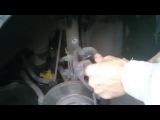 как заменить передние тормозные колодки в Chevrolet Aveo Т250 (Шевроле Авео Т150)