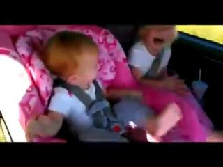 Реакция детей на песню опа гангам стайл