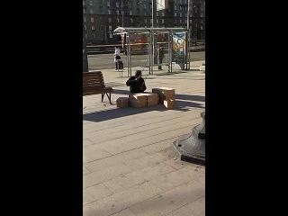 Как бомжи зарабатывают в Москве.