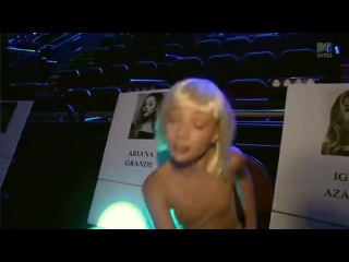 Maddie Ziegler Dances All Over The Forum (MTV Music Video Awards 2014)