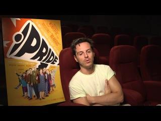 Эндрю Скотт приглашает на просмотр своего фильма Pride 2014