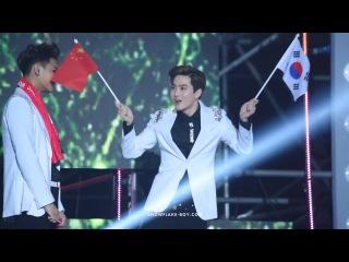[FANCAM] 141025 Korea Music Wave in Beijing - SUHO cute dance
