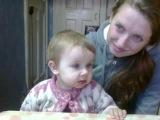 Девочки смотрят мультики для самых маленьких))))))))