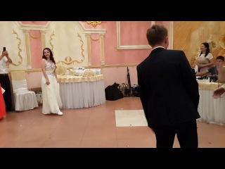 Индийский танец на свадьбе! Сюрприз для гостей! Жених, друзья жениха и невеста жгут! Свадебный танец!
