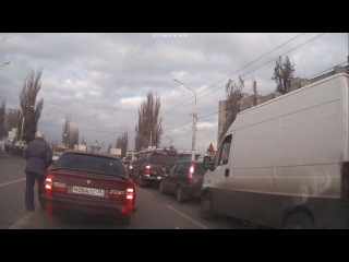 В Воронеже эвакуатор сбил пешехода