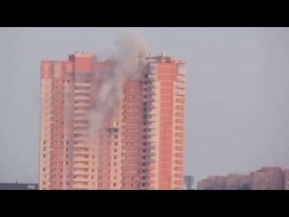 Луганск 28 07 2014 боевики бомбят жилой дом Luhansk militians shelling building
