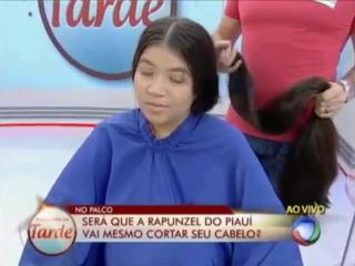 Девушка из Бразилии рассталась с роскошной косой