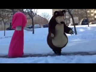 Маша и Медведь - Зажигают Лезгинку :D