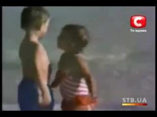Влияние поцелуя маленькой девочки на мальчика))