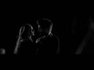 Fahriye Evcen ve Burak Özçivit - Hasretinle Yandı Gönlüm / Aşk Sana Benzer Film