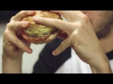 Как правильно есть бургер?
