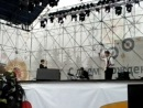 Концерт Алмазных бикини в центре города как на Пикадили