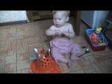 Занимательная игра для ребенка в 9 месяцев. https://vk.com/rodi_ru