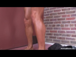 CONTEST 110213 2013 NPC ELITE MUSCLE CLASSIC BODYBUILDER 2